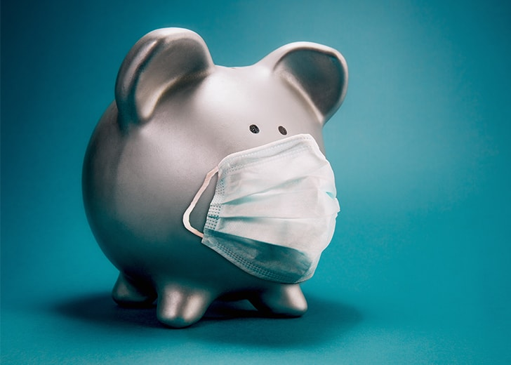 piggy bank wearing a mask during the covid pandemic